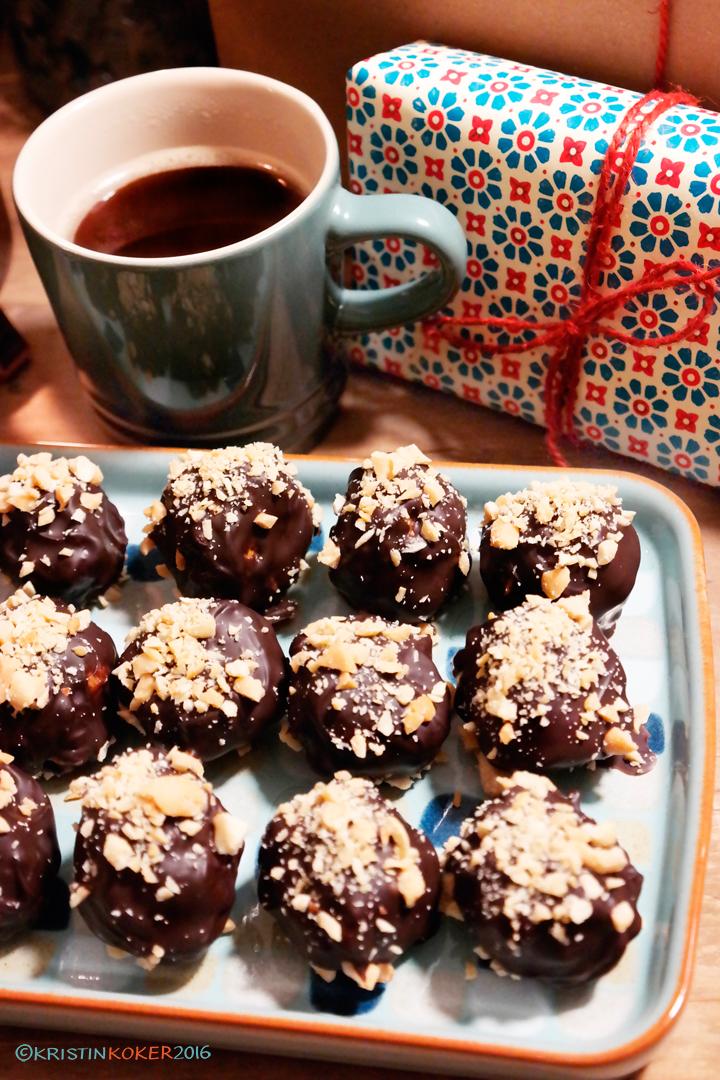 snickerskuler, julegodt, snickerskuler uten melk og gluten, glutenfri, melkefri, hjemmelaget snickers, konfekt, godteri